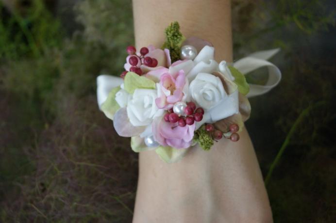 Bracelet de fleurs artificielle N° 26