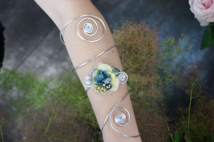 Bracelet de fleurs stabilisé N° 23