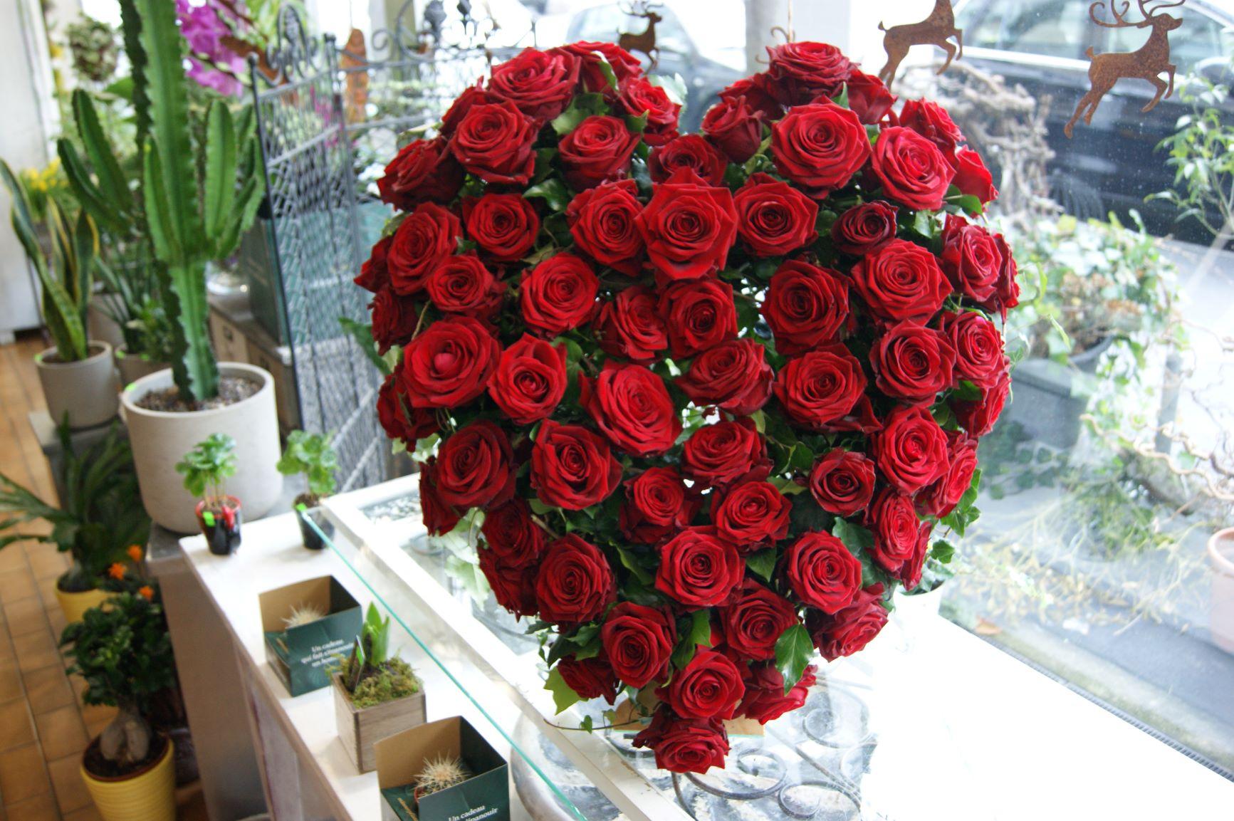 Cœur de roses rouges  N° 23