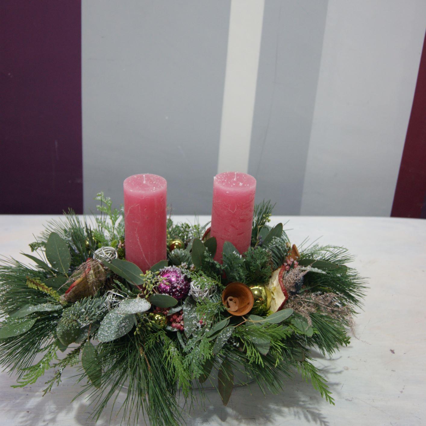 Arrangement avec deux bougies N° 7