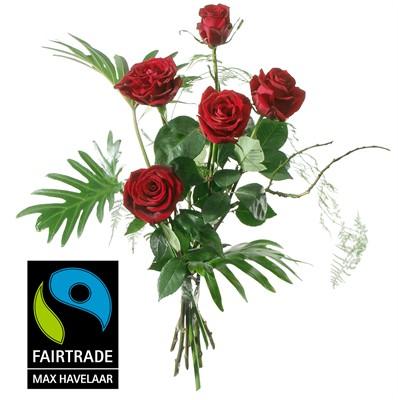 5 Roses rouges avec verdure N° 4