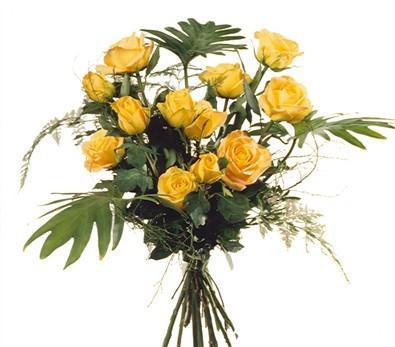 12 Roses jaunes tête moyenne N° 7