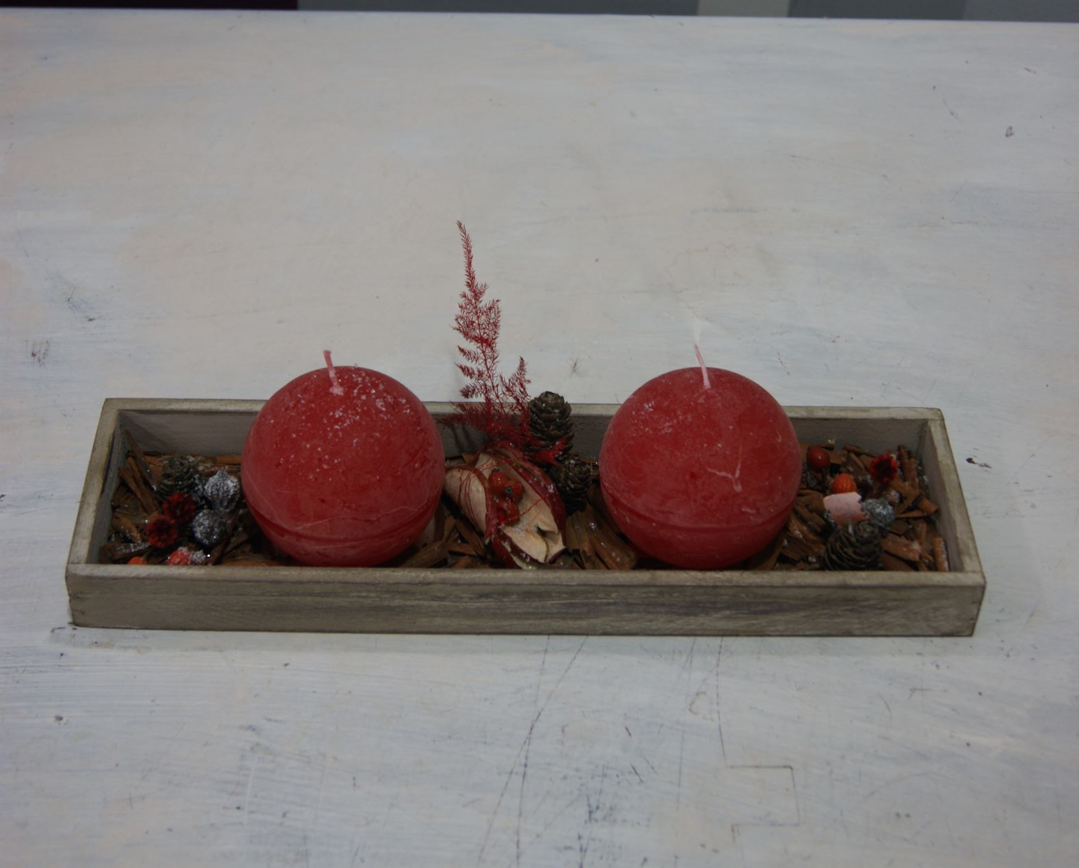 Arrangement avec deux bougies N° 8