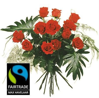 12 Roses rouges avec verdure N° 6
